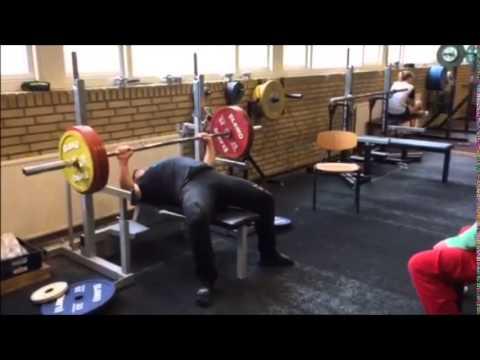 Henrik Hansen 200 kg bænkpres @ HGVS Forår 2015