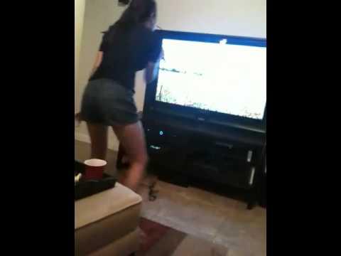 Crazy Cuban does Karaoke