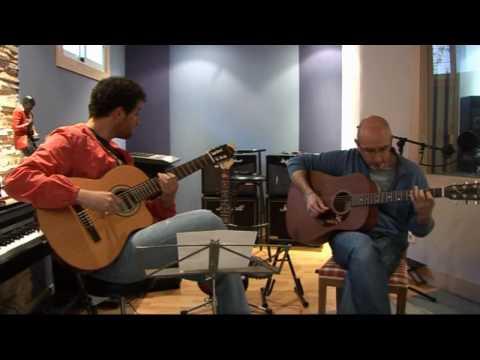 Versión Acústica Y Exclusiva De 'Paper Moon' De Luisao