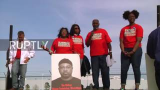 USA: Bernie Sanders and Danny Glover join Nissan protests in Mississippi