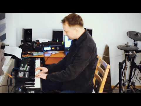 Bright shiny lights (Patrick Watson Cover) Tuba, Ukulele, Drums, Piano, Organ, Accordeon, Vocals