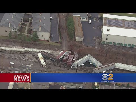 Freight Train Derails In New Jersey