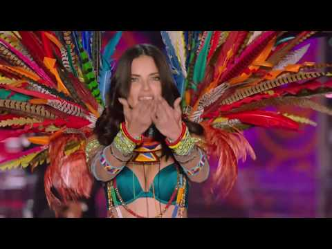 Victoria's Secret Fashion Show Shanghai 2017 I  Adriana Lima ! En exclusivité sur ELLE Girl !