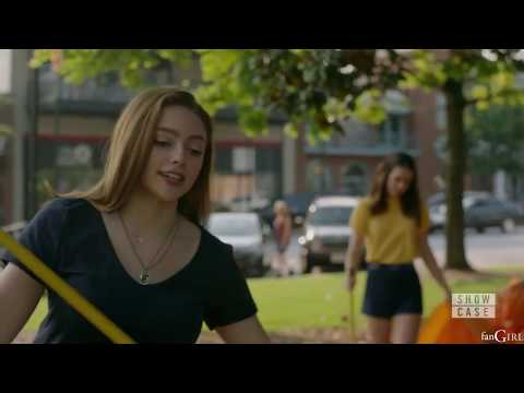 Legacies 1x03 Josie Tells Hope She Pokes, Hope Pokes Her Foot