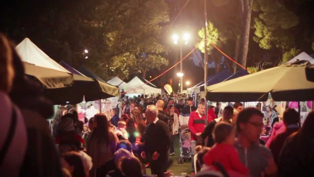 Campbelltown Moonlight Markets - YouTube