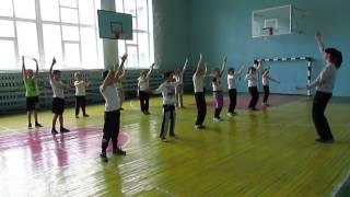 Музыкальная разминка на уроке физкультуры.