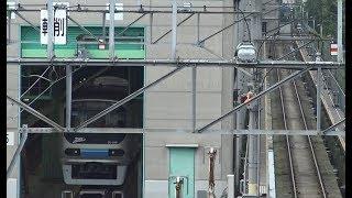 羽田空港アクセス線となる東京貨物ターミナル駅前の車両基地の車庫に停泊中のりんかい線70-000形