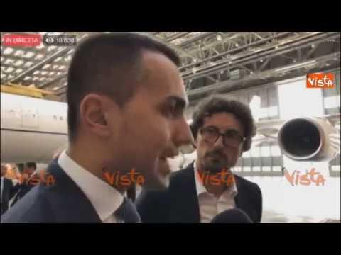 """Di Maio: """"Bye bye Air Force Renzi, simbolo dello spreco"""""""