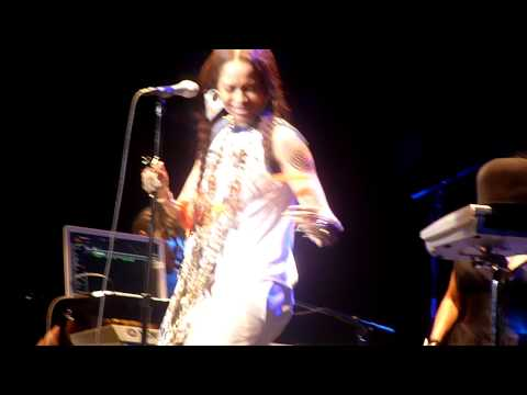 Erykah Badu ~ Other Side of the Game Live