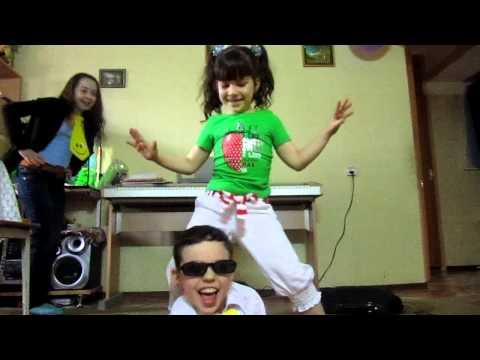 PSY Gangnam Style перевод песни, текст и слова