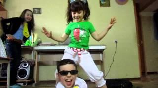 Опа гангнамстайл (детская пародия)(, 2013-02-11T12:45:50.000Z)
