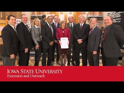 Iowa Senate Resolution Celebrates Cooperative Extension