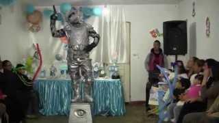 Robotin  parte 1 en el baby shower de Thiago
