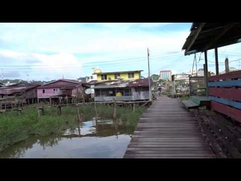 Walking in a Kampung/water village in Bandar Seri Begawan, Brunei