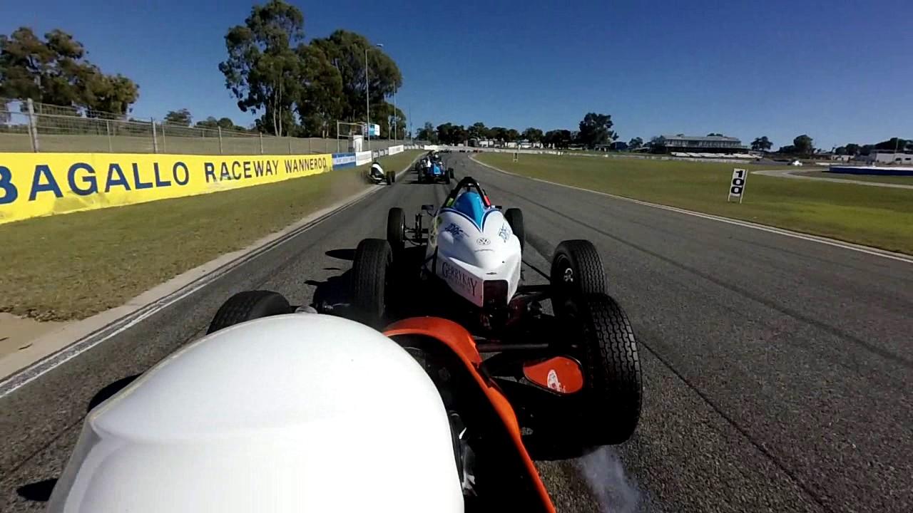 Kathys Formula Vee Crash Barbagallo 18 jun 2017
