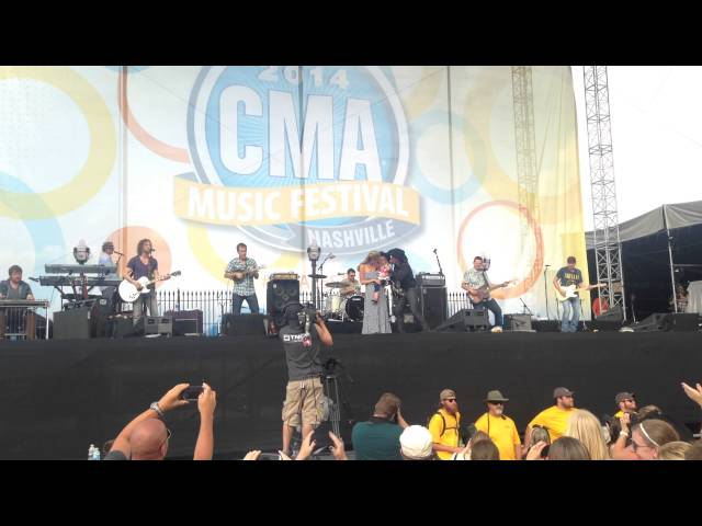 "CLAY WALKER ""LONG LIVE THE COWBOY AT CMA FEST 2014"