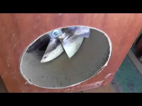 Самодельный вытяжной вентилятор из мусора.