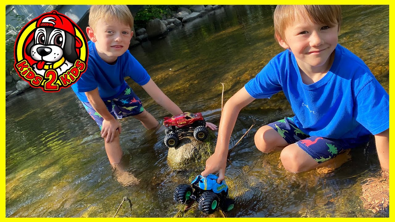 Monster Jam Toy Trucks - Wonder Woman , Crushstation, Iron Man Play at the Park RIVER WALK ADVENTURE