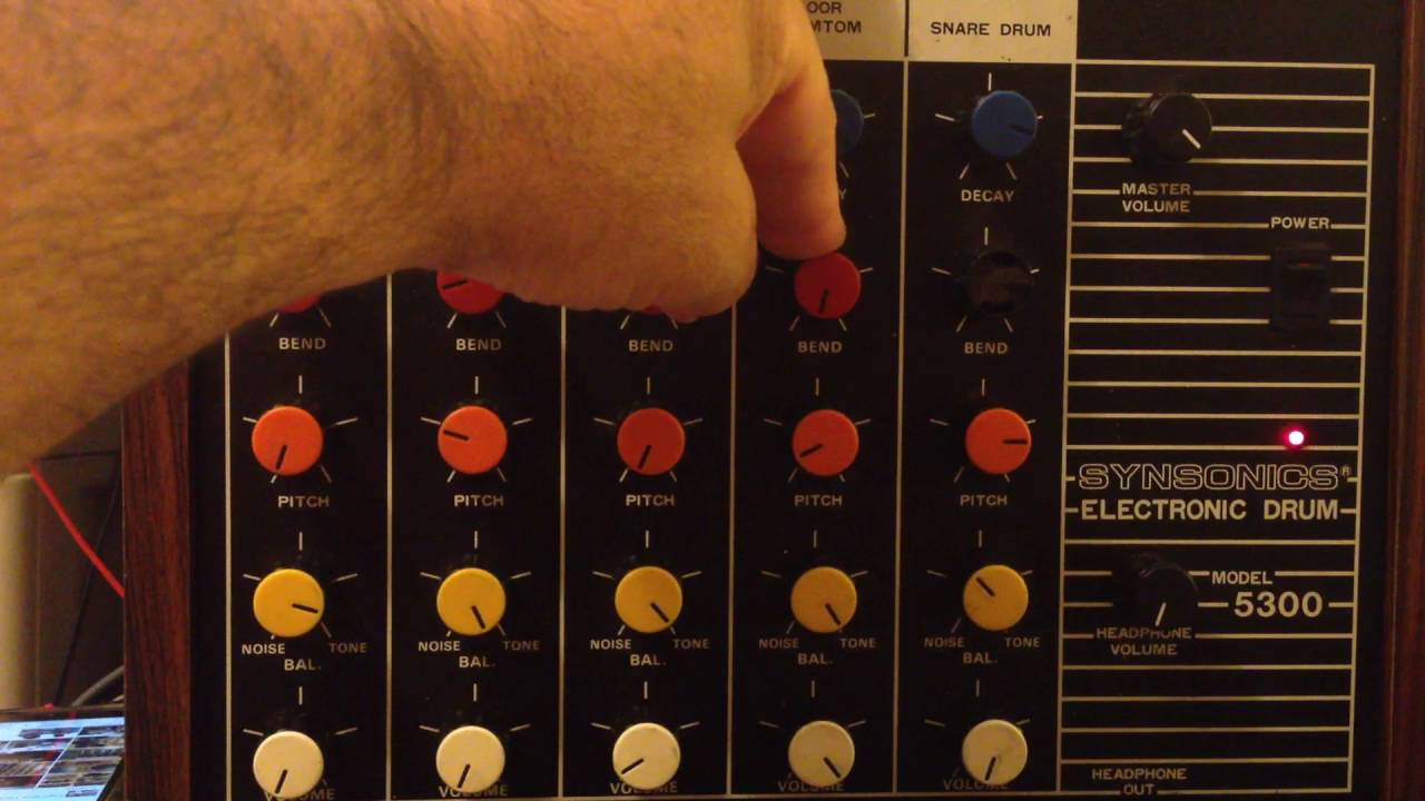 synsonics model 5300 analog drum brain vintage machine [ 1280 x 720 Pixel ]