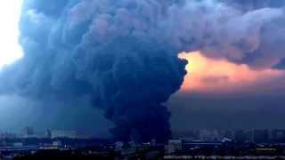 Санкт Петербург, Сильный пожар в промзоне Парнас 17  10  2015