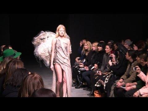 Fashion week: défilé de la Française Yiqing Yin