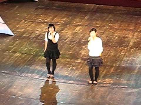 kỉ niệm mái trường thuy chi_minh phuong( live).avi