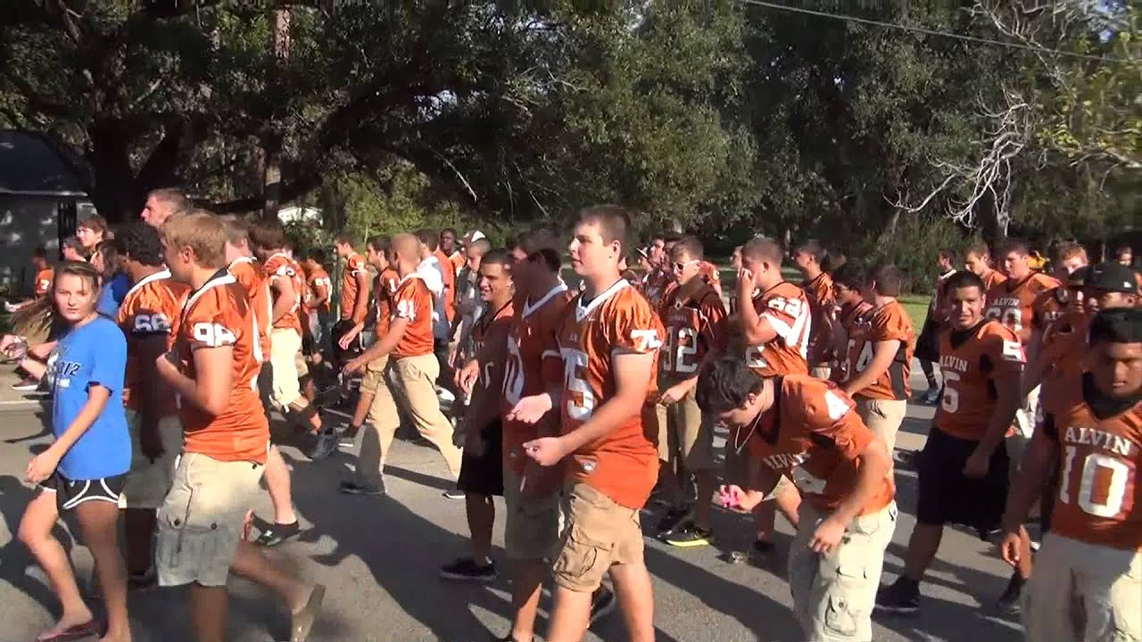 Ahs Football Team In The 2012 Homecoming Parade Youtube