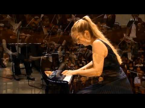 Chopin Piano Concerto No.2 2nd Mov. (2/3) - Lise de la Salle (P)