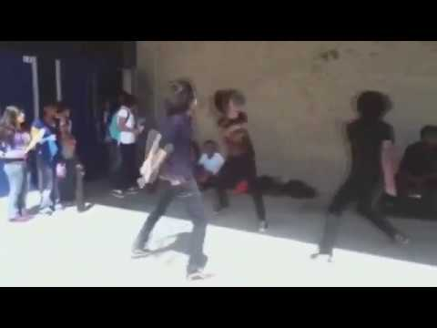 Emos bailando la feria de cepillin 100% REAL - YouTube 0fcb77268dbe