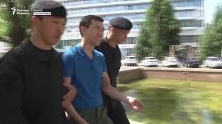 Задержание в Алматы на митинге ДВК за бесплатное образование