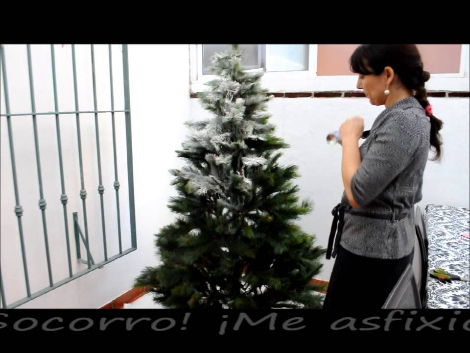 Árbol de Navidad con nieve / Snow covered Christmas tree - YouTube