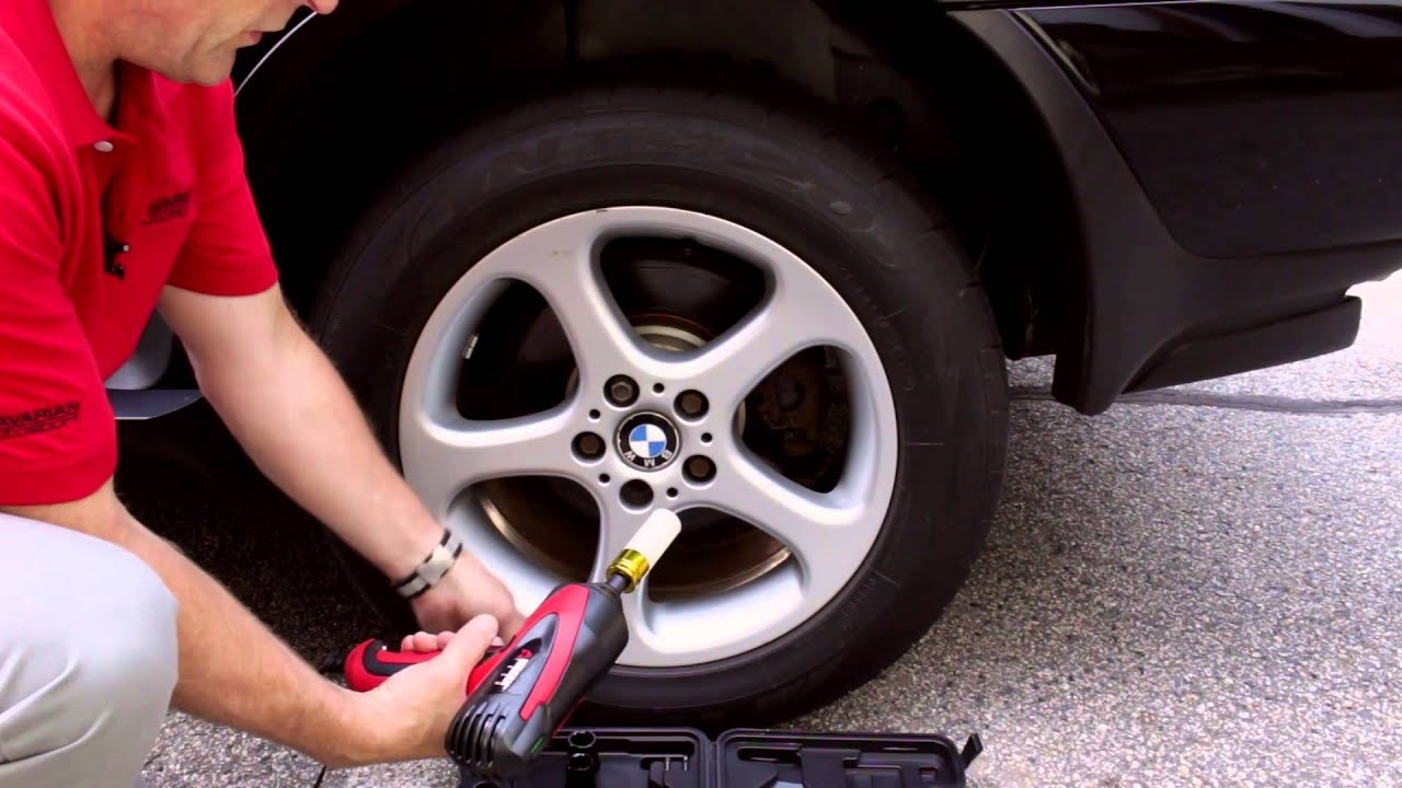 Using The Wagan 12 Volt Mighty Impact Wrench