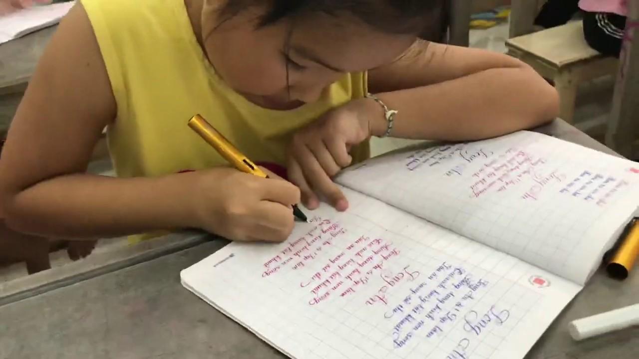 Bé lớp 2 yêu thích rèn chữ đẹp|Bé Hoài Thư ✍️