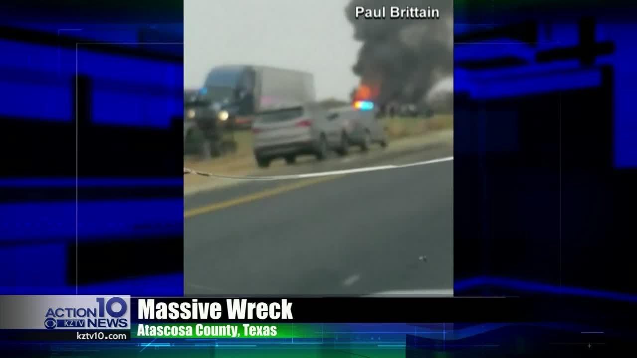 Major accident closes Interstate 37 near Live Oak, Atascosa County line