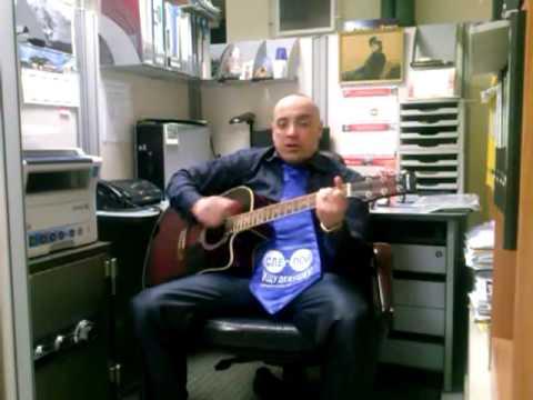 Мартинков Олег.Веселая  песня под гитару про работу.