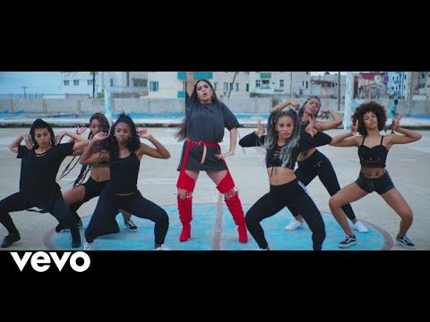 Melisa Carolina - Caliente (Official Video)