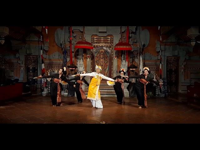 Rejang Renteng Pelayon Peliatan by Maestro Dancers of Peliatan at Balerung Stage Peliatan Bali