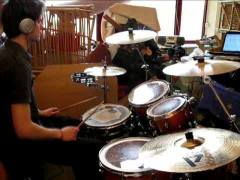 how to play sunday bloody sunday on drums