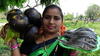 Fish Curry With Tender Palm | Amazing Fish Cutting & Fish Slices Cooking In My Village By Aunty