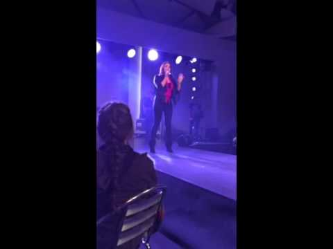 Meghan Trainor-Lips Are Movin Cover, Zuger Messe