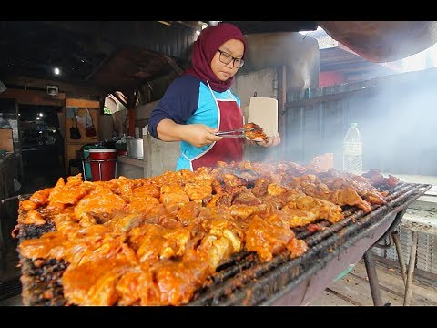 World's BEST BBQ CHICKEN | Street Food in Malaysia - RARE Ku