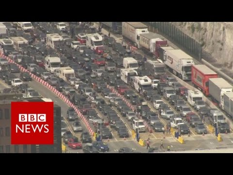 Dover delays: UK border staff to help after 14-hour queues - BBC News