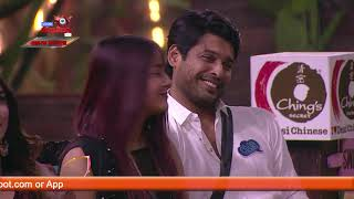 Gutthi's BLANKET ROMANCE With Siddharth Is Too Hillarious   Bigg Boss 13