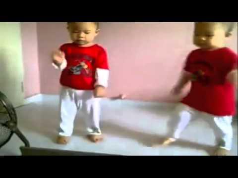 [Clip vui] 2 em bé dễ thương nhảy Gangnam cực hay
