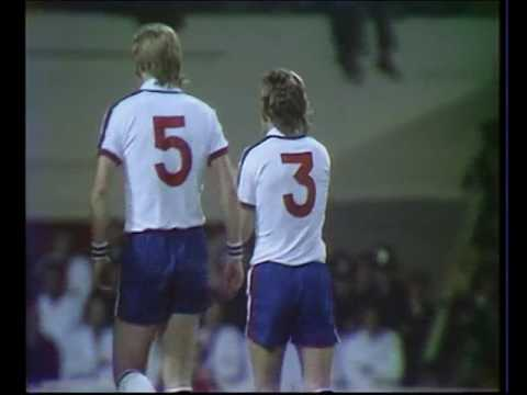 ANGLETERRE - FINLANDE - 1977 -