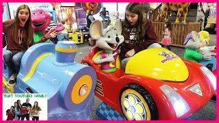 Chuck E Cheese Family Fun Challenges - Parents Names Announcement / That YouTub3 Family