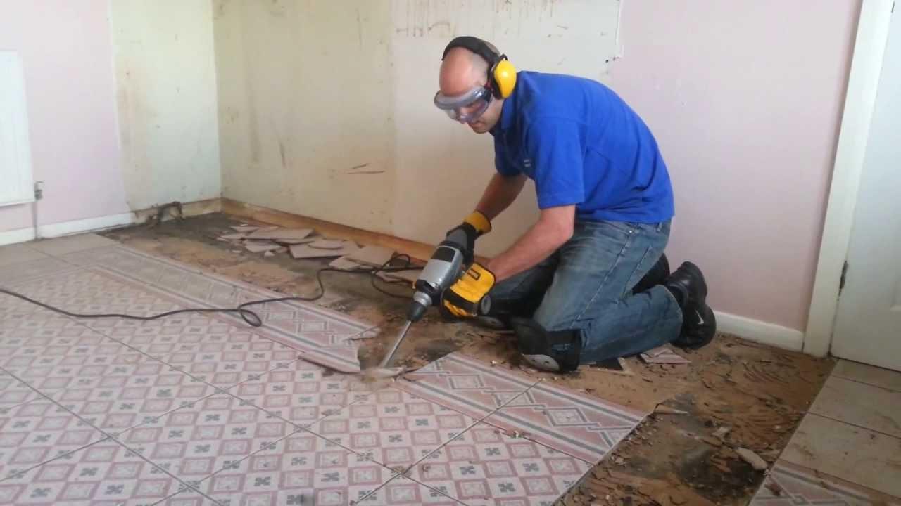 titan sds with a 80mm cranked tile chisel removing a kitchen floor ttb278sds ttb279sds