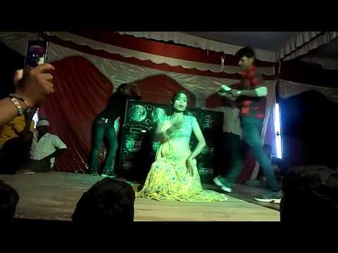 by arkestra queens  Reliya Bairan Piya Ko Liye Jay Re   रेलिया बैरन पिया को लिए जाय  रे
