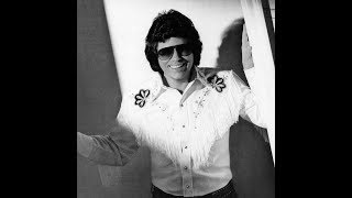 She Keeps The Home Fire Burning : Ronnie Milsap