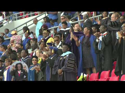 BAHAMAS WELCOMES FIRST UNIVERSITY